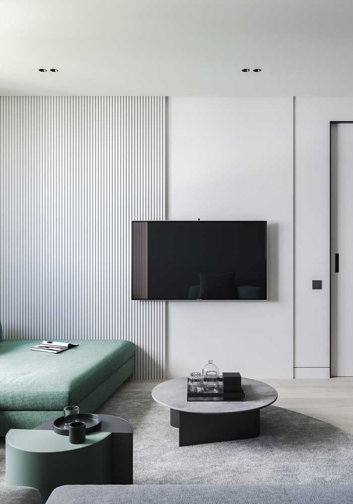 06. White wooden slatted panel for those who enjoy a modern and minimalist look.