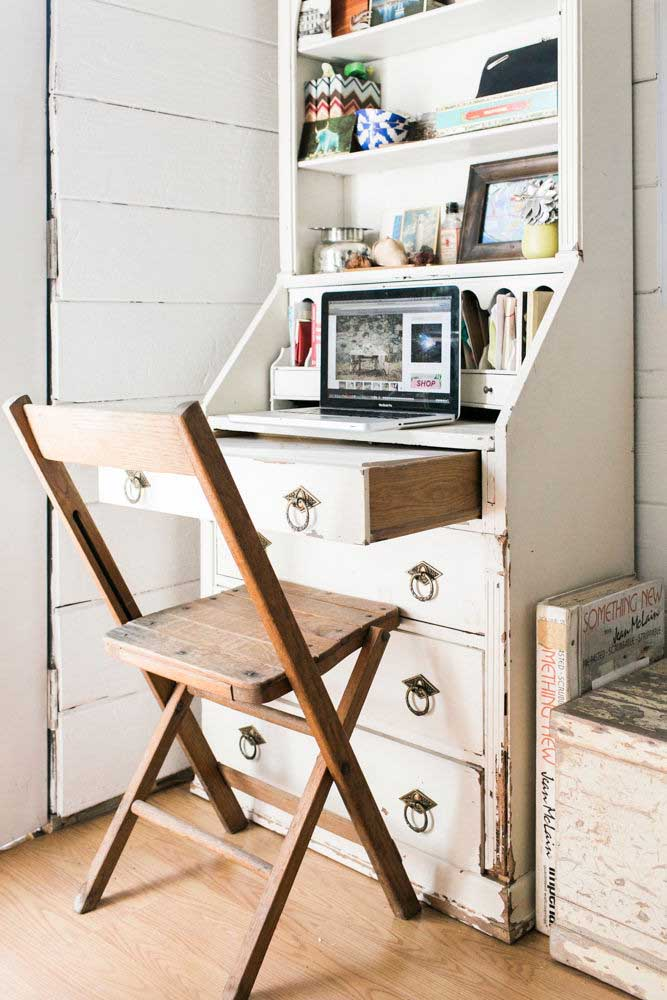 08. Home office in a rustic Provencal style.