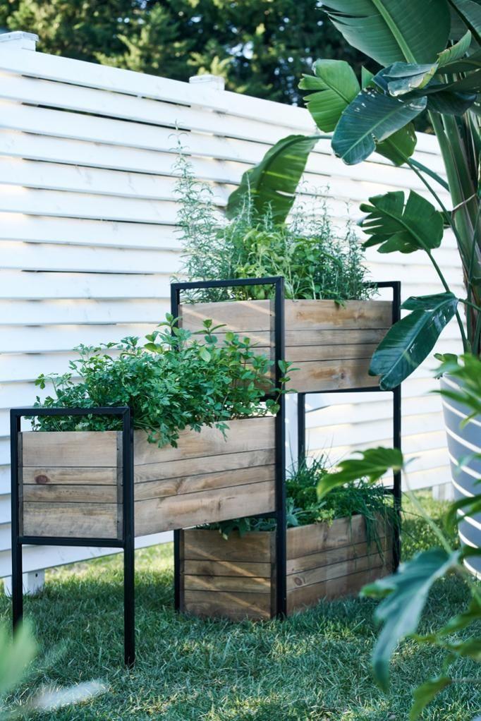 09 - Three modules for a versatile standing vegetable garden