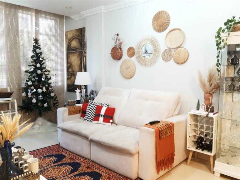 10 - Beautiful Christmas ornaments to decorate the room