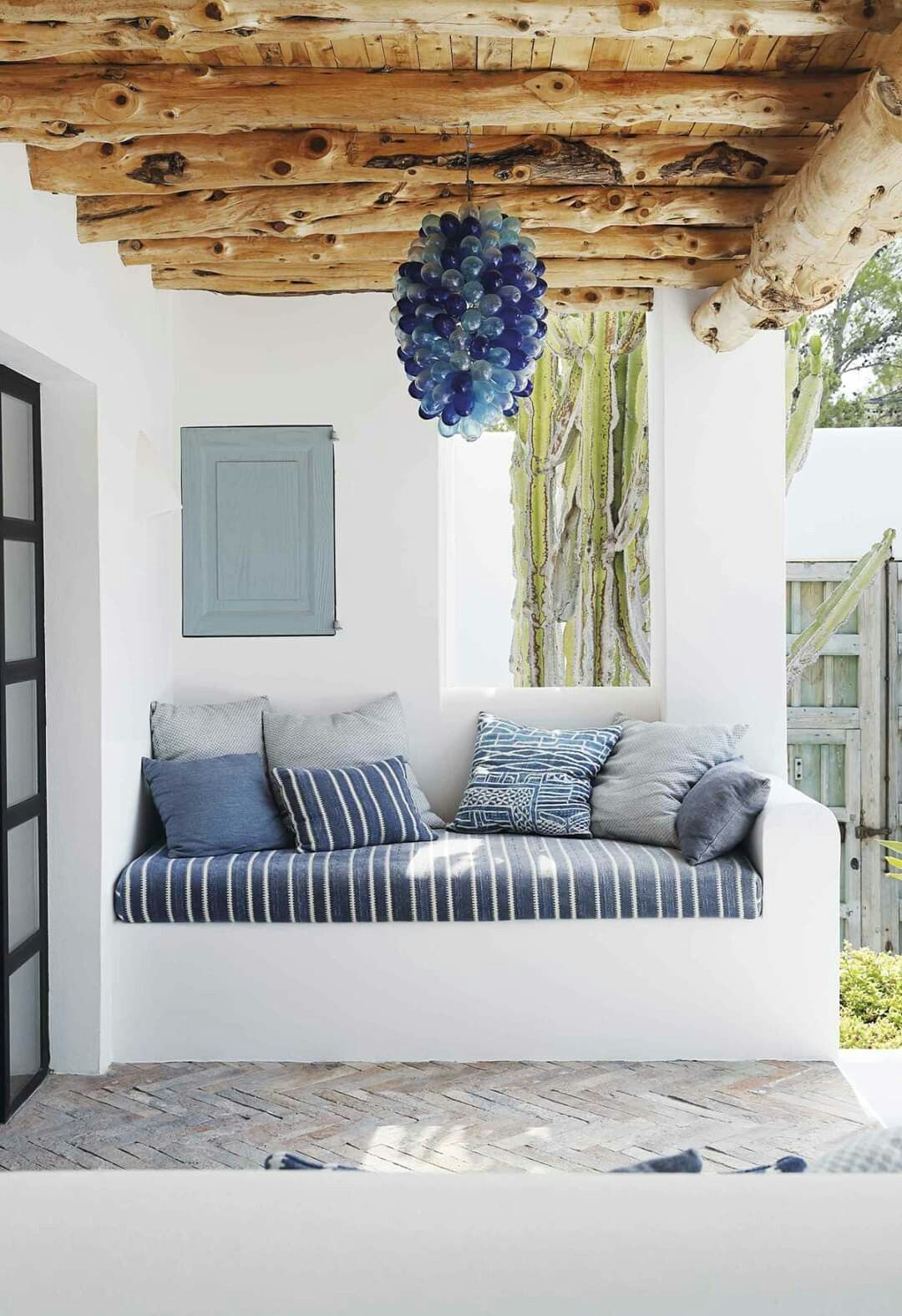 11 - A mini masonry bench adds a dose of comfort