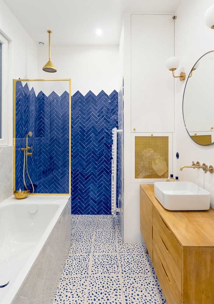 12. Apply a different coating to the shower and ensure a stylish bathroom.