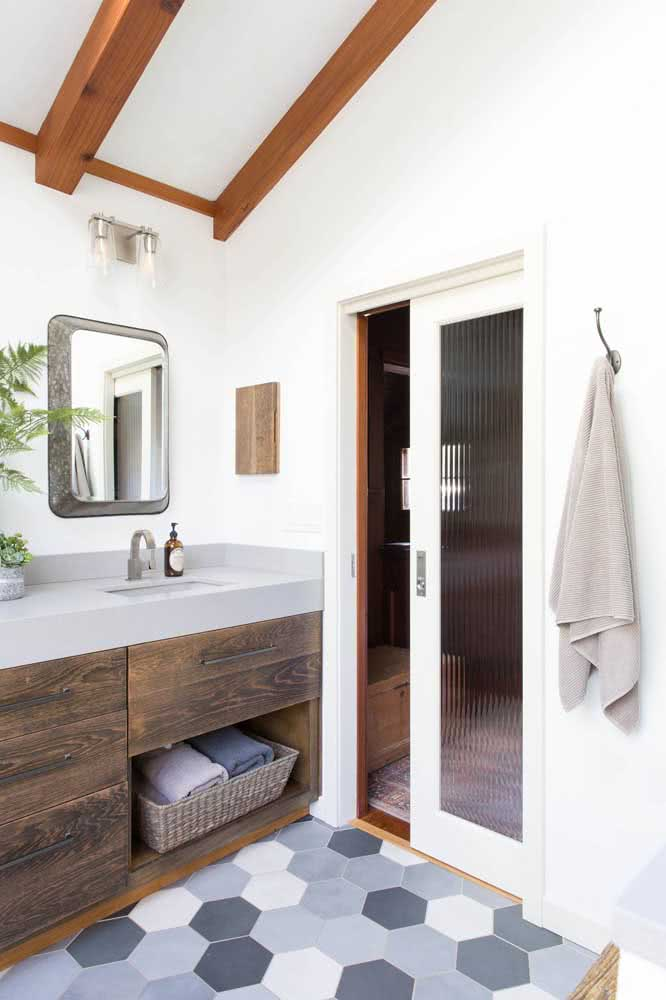 13 - The corrugated glass brings privacy to the bathroom.