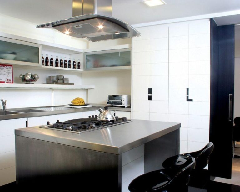 13. Kitchen design with island in the middle