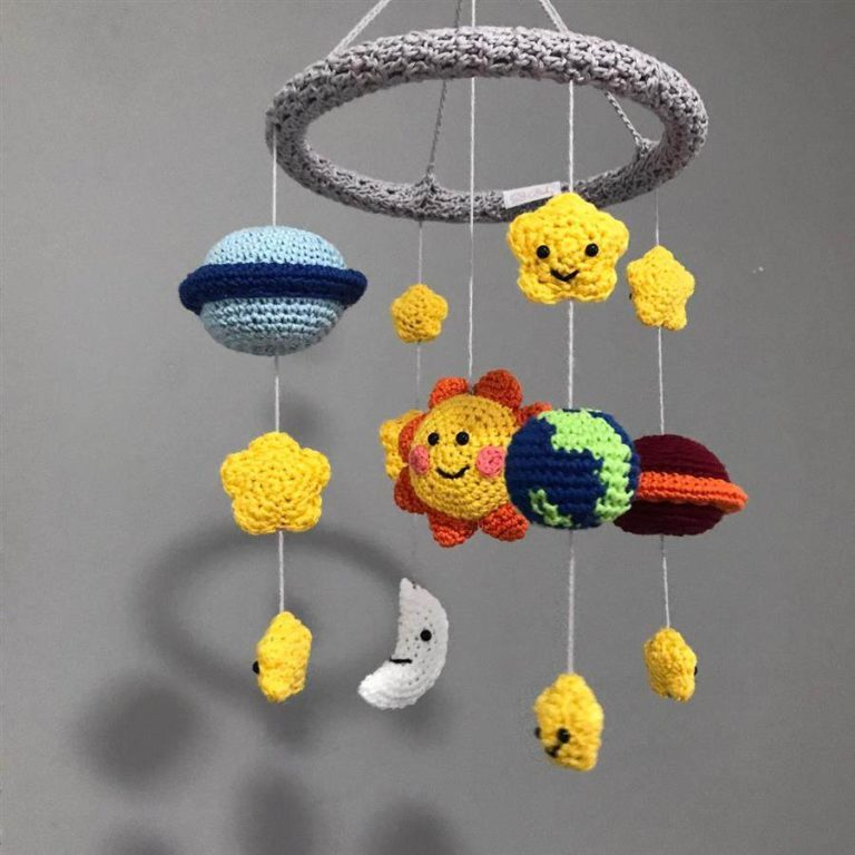15 - Crib mobiles are great decorations for children's rooms