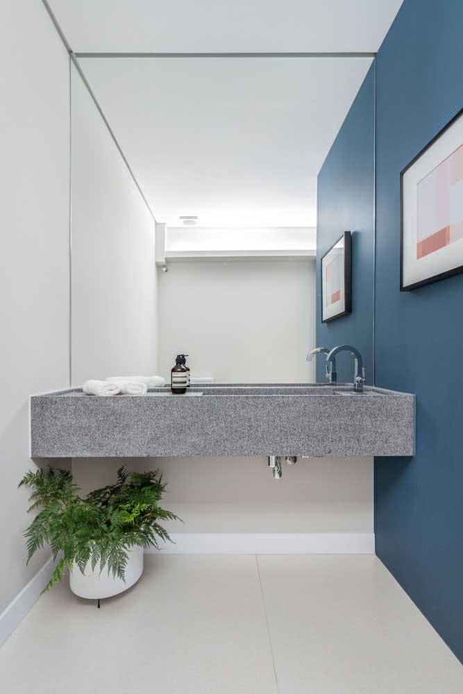 15 - Does anyone there have a prejudice against gray granite? So you need to see this bench.