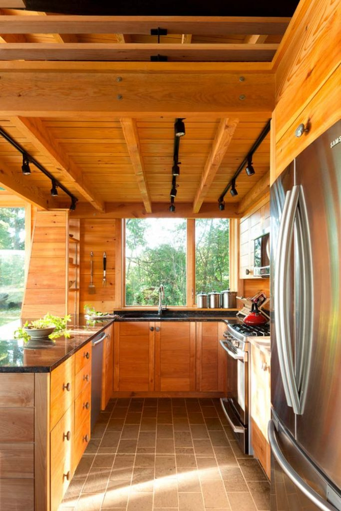 15. Stainless steel composing the rustic kitchen