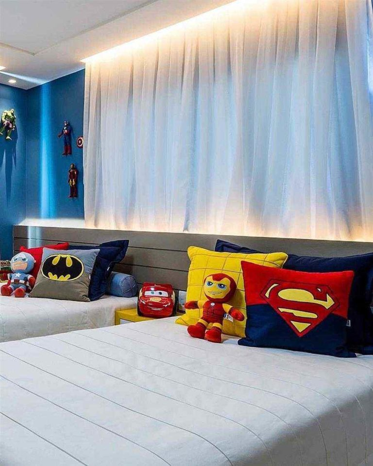 20 - Ornaments for twin rooms with superhero theme