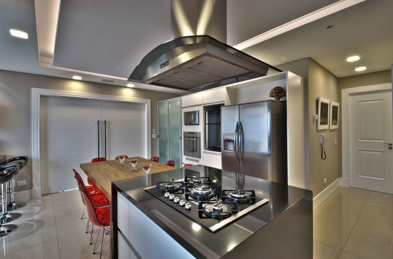20. Kitchen island design with modern dining table