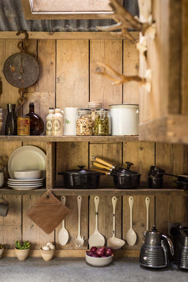 24. The iron pans to leave no doubt as to the style