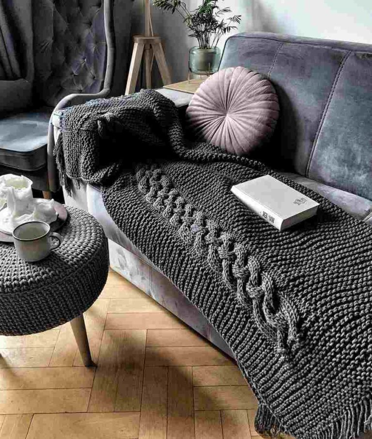 26 - Knit blanket for a very cozy sofa