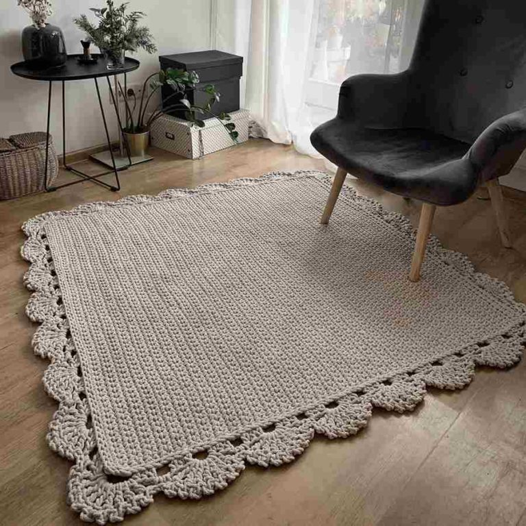 27 - Square crochet rug with perfect finish