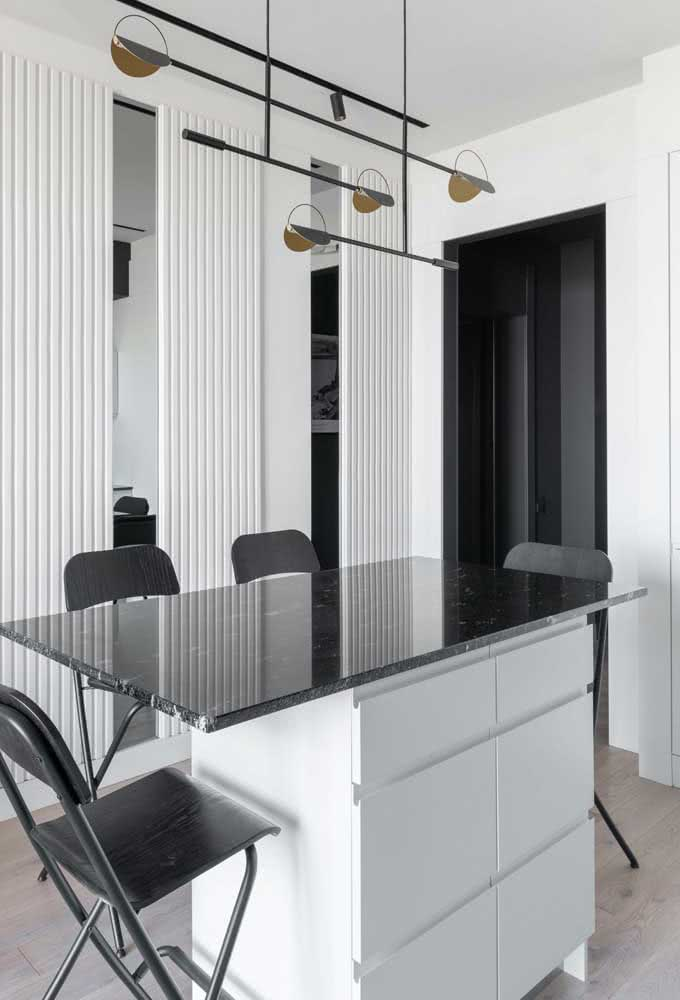 28 - Already black granite fits perfectly in minimalist projects.