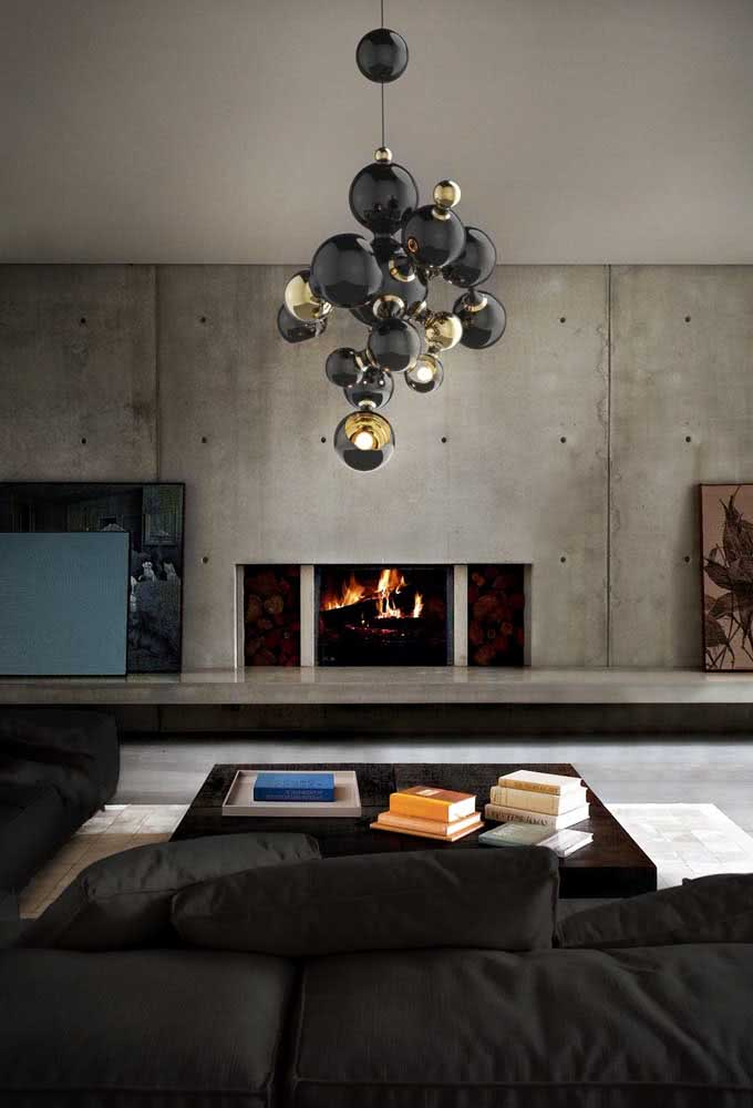 29 - How much sophistication can a black and gold chandelier fit?