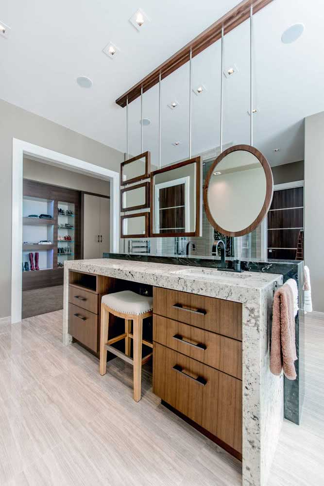 3 - Granite countertop for the bathroom: function goes far beyond the basin.