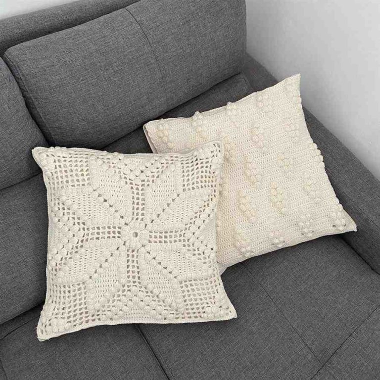 32 - Crochet cushion cover that makes a difference