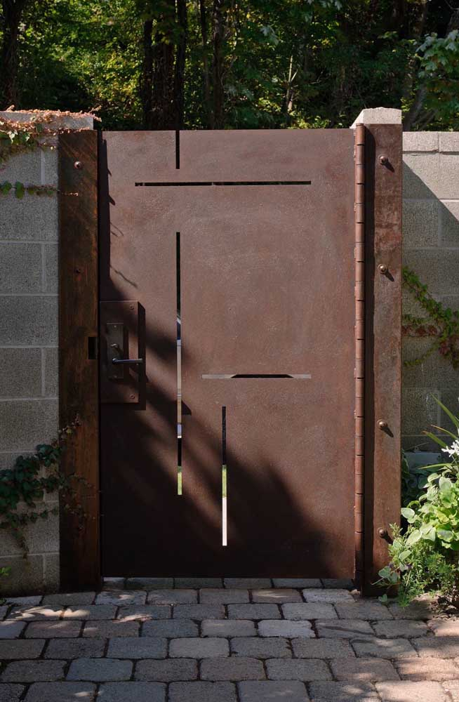 33. Corten steel made the gate more imposing.