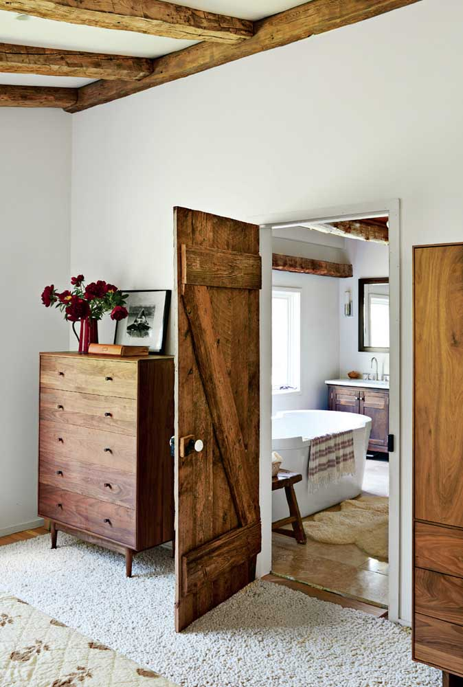 33. Rustic room with a Scandinavian touch.