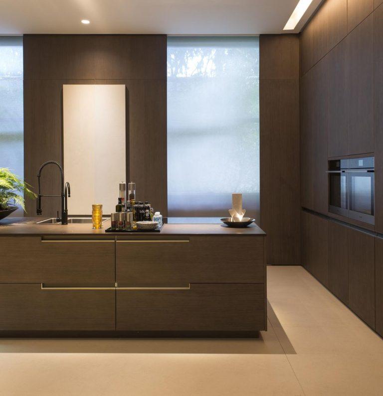 35. Kitchen with central island in minimalist design