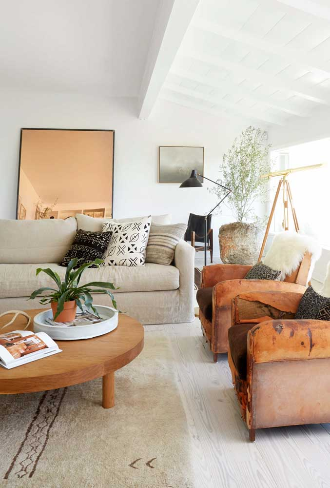35. Natural fibers and fabrics for a cozy room.
