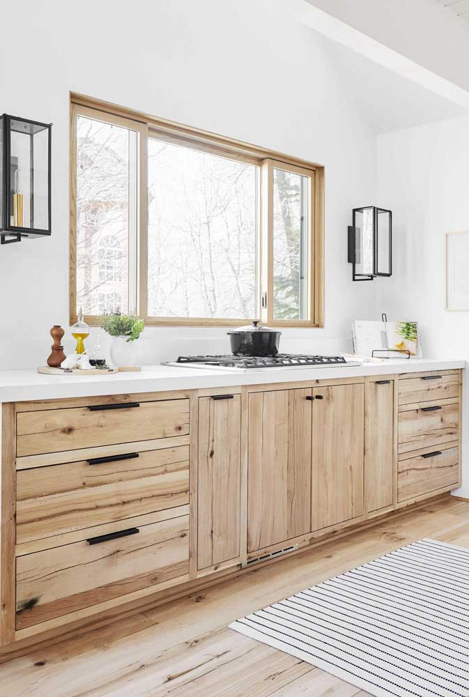 36. Rustic wooden countertop for the clean kitchen