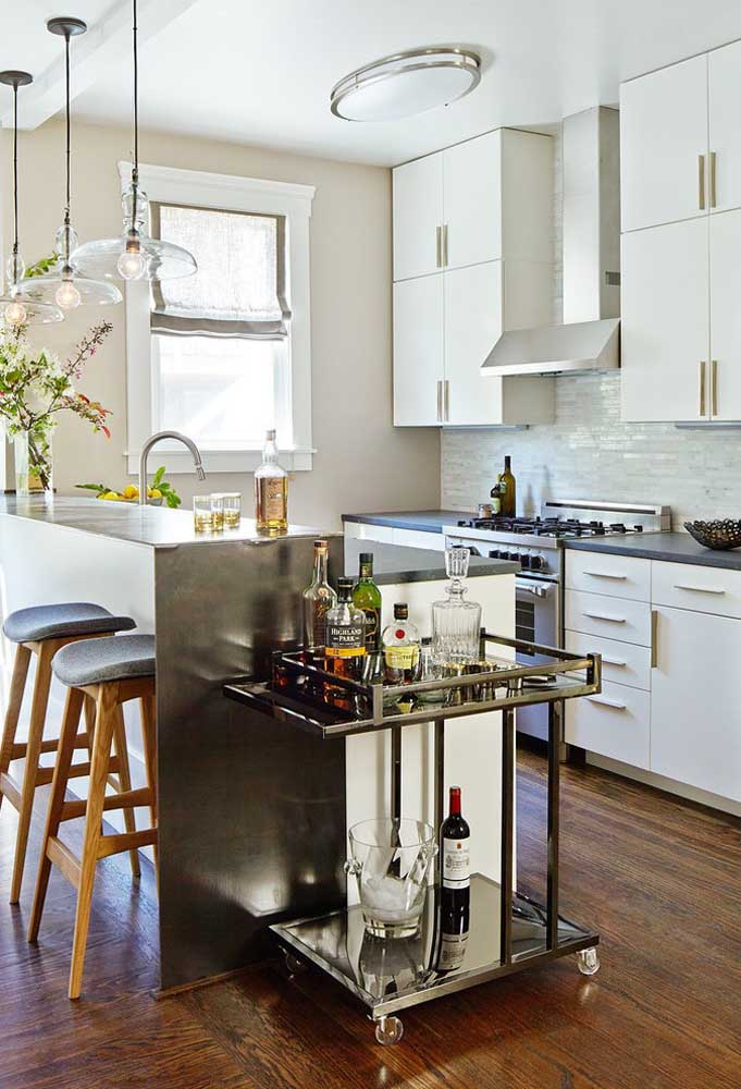 36. The simple and small American kitchen has a masonry counter next to the minibar; highlight the pending ones.