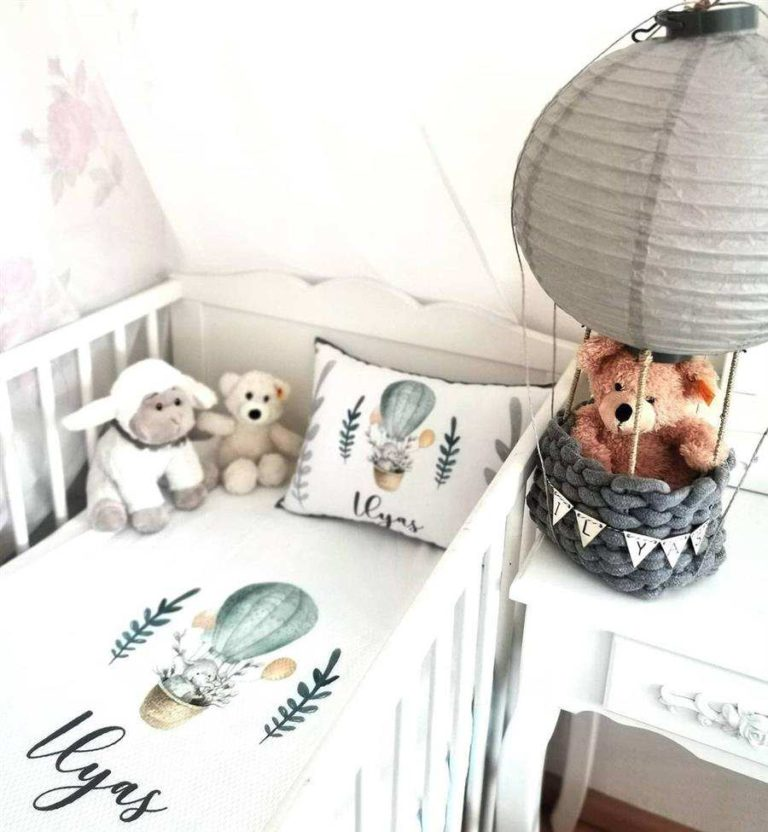 37 - Simple and inexpensive bedroom decoration