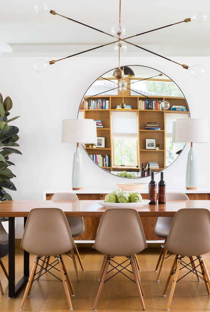 37. Trick for decorating small dining room mirrors!