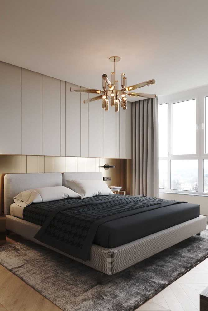 42 - Tired of the look of the room?A modern chandelier solves the problem.