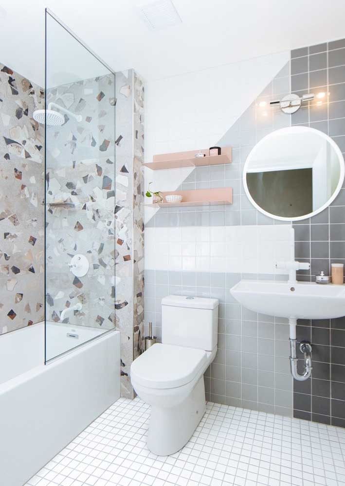 45. Granilite and tiles for a retro decorated bathroom.