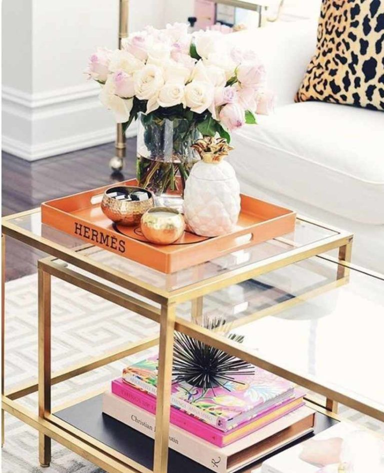 47 - Lovely decorative tray as a highlight