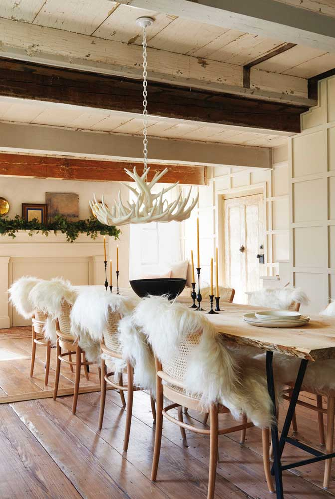 50. Rustic dining room that oozes personality.