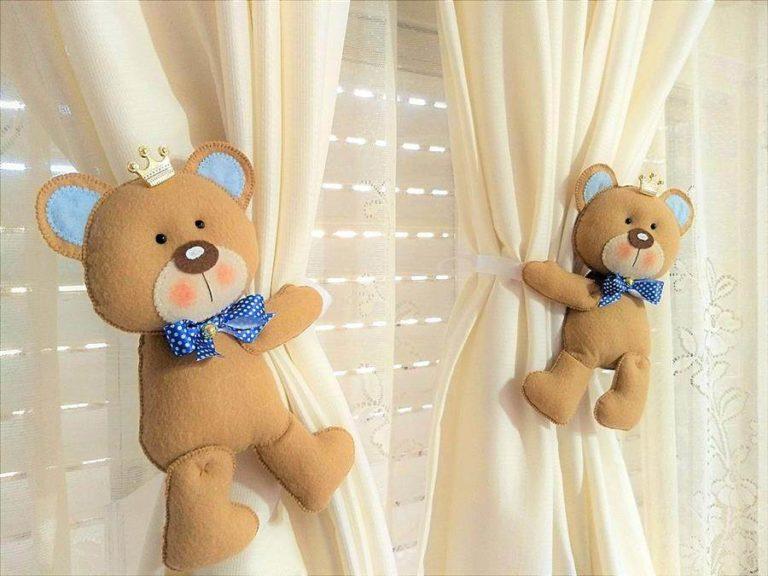6 - Felt teddy bear prince curtain clip