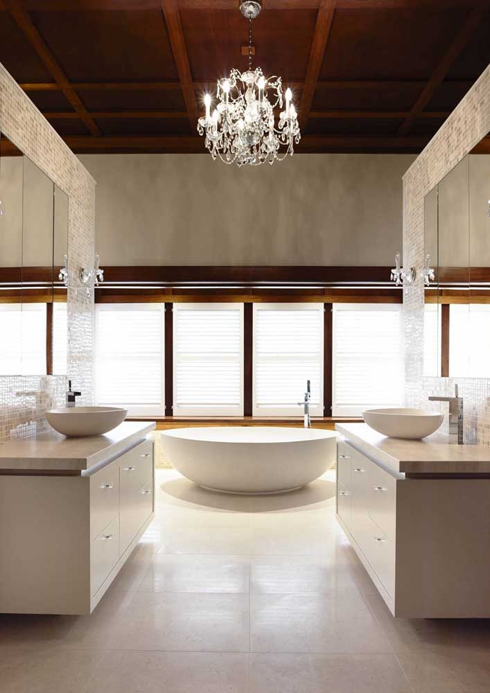 03. A luxurious bathroom finished in botticino marble.