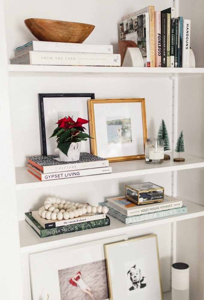 07. Delicate ornaments to put in your closet