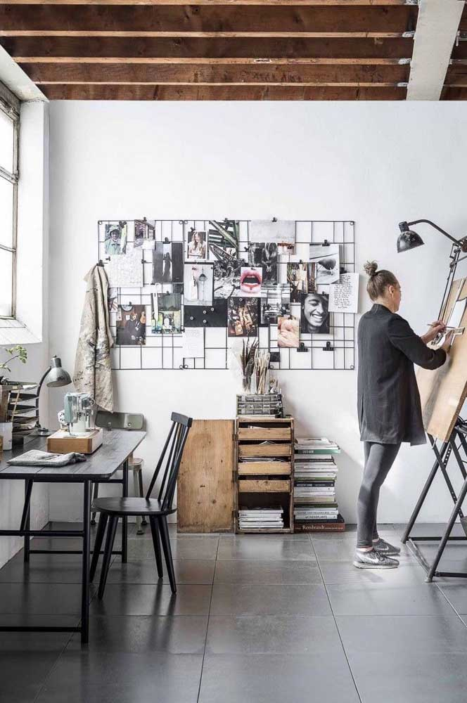 07. One of the most used photo panels in offices is the wireframe model like the one in the photo.