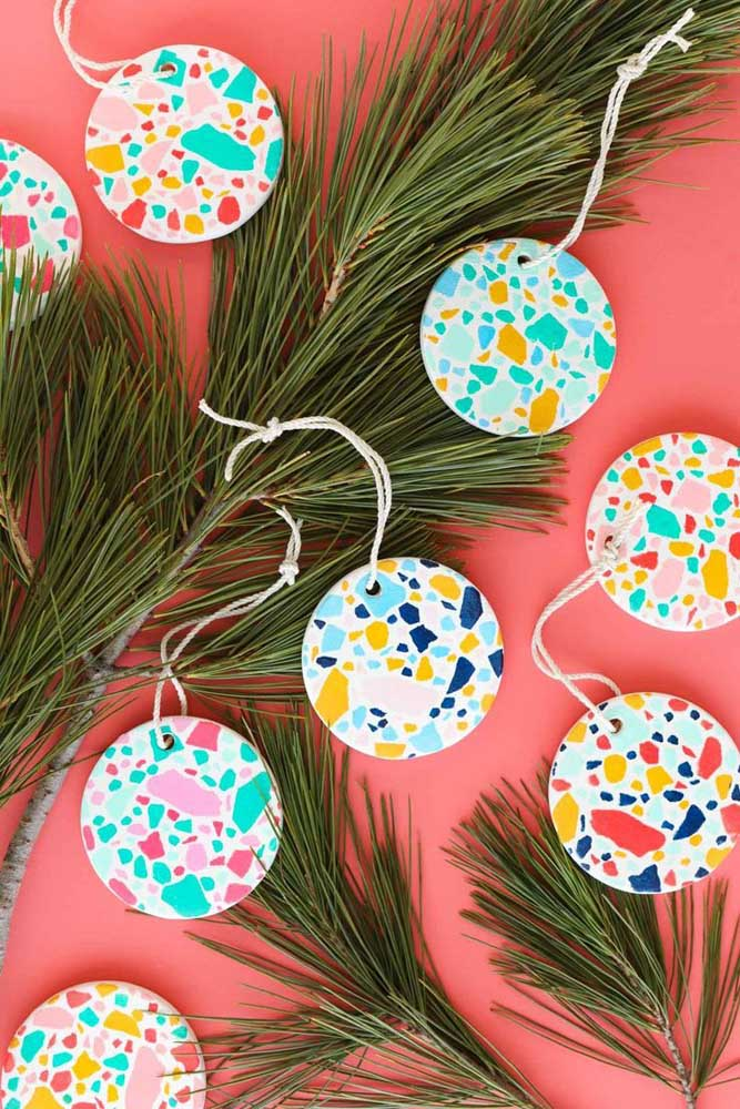 10. Have you thought about using textures like these when making Christmas balls?
