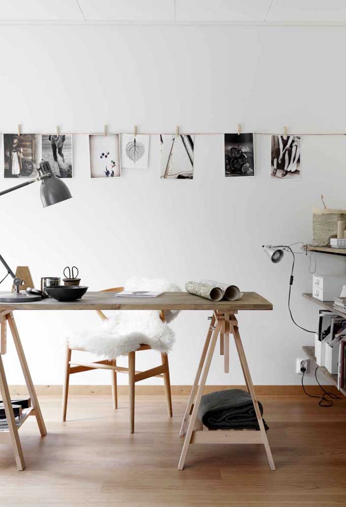 13. A good decoration option with a photo panel is to use the model used by professional photographers, as if the photos had been developed at that moment.