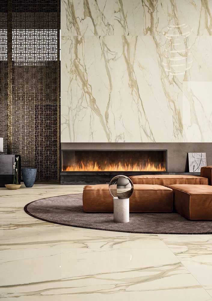 14. Calaccata oro marble for a sophisticated ambience.