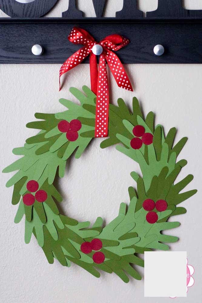 15. EVA Christmas Wreath Easy and cheap to make.