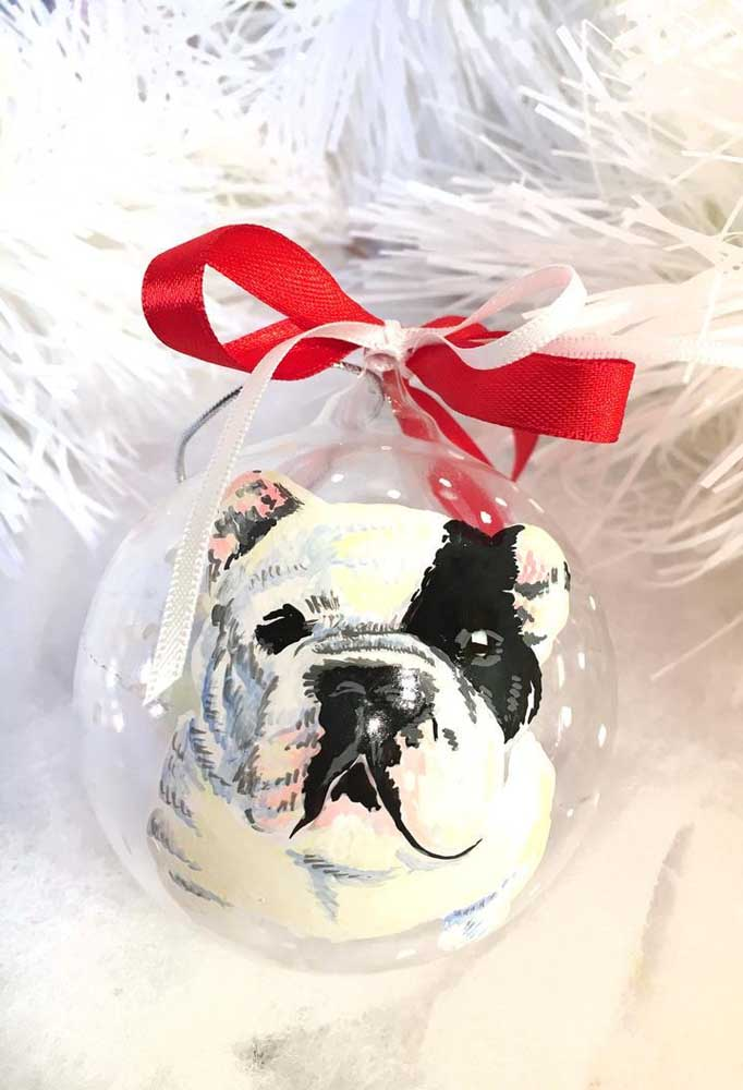 22. Look at the cutest Christmas ball with the pet's face inside.