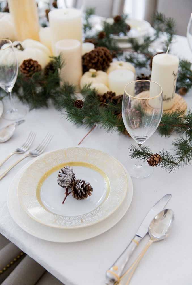 25. Delicacy in details should make up your Christmas dinner