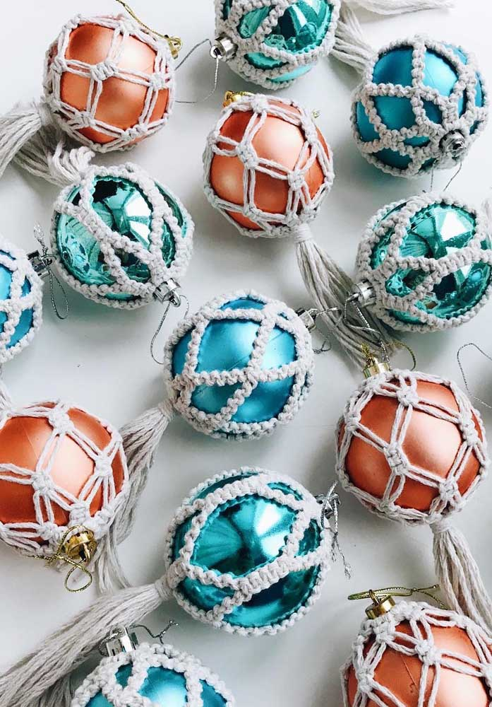 29. To protect the Christmas baubles you can make craft items like these.