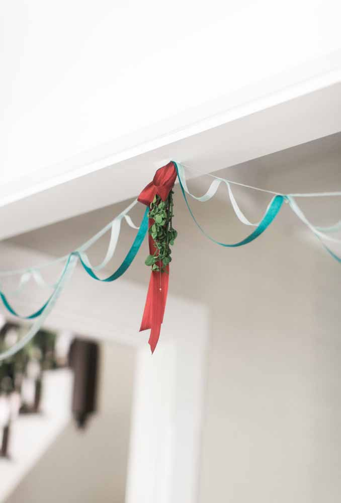 30. Use ribbons to make your Christmas decorations