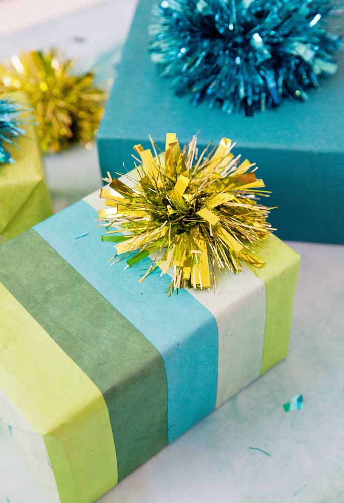 32. No exaggeration to decorate gifts