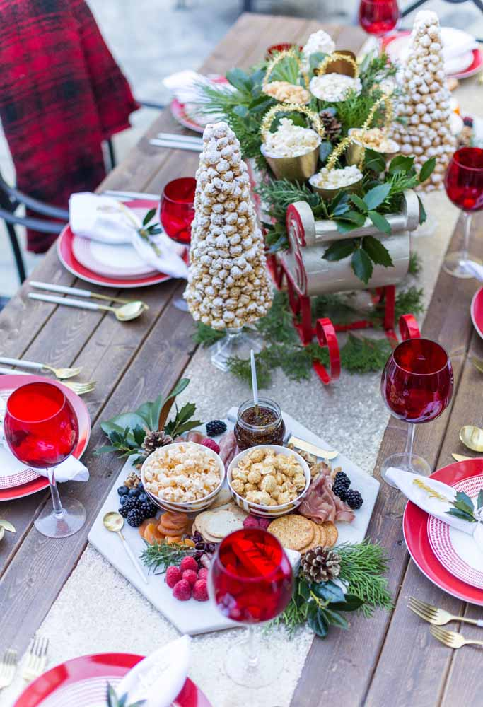 44. How about making an edible Christmas tree to put on the supper table