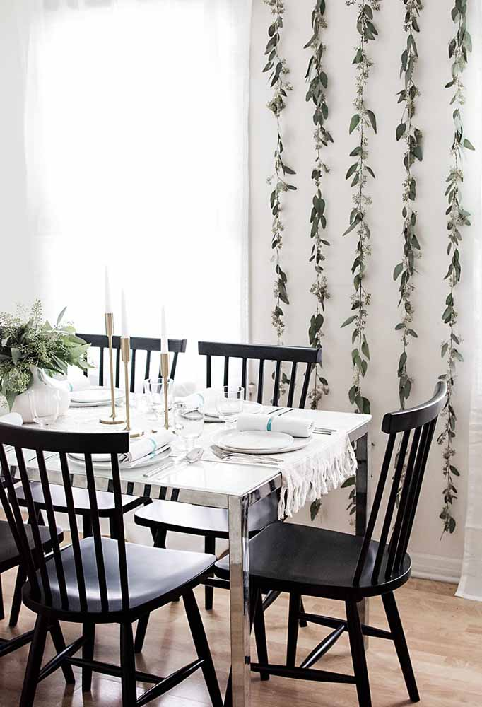 46. Get away from traditional Christmas colors and make combinations of black and white