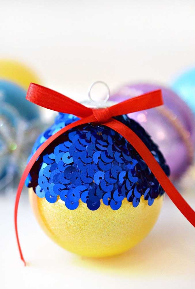 47. Have you ever thought about making Christmas ball inspired by Disney Princesses like Snow White?