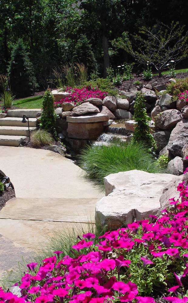 49. Big stones bring the comfort of nature into the home.