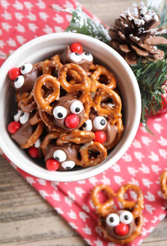 50. Break the seriousness of Christmas dinner with funny candies